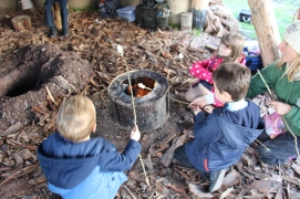 Strawbale Roundhouse Forest School session